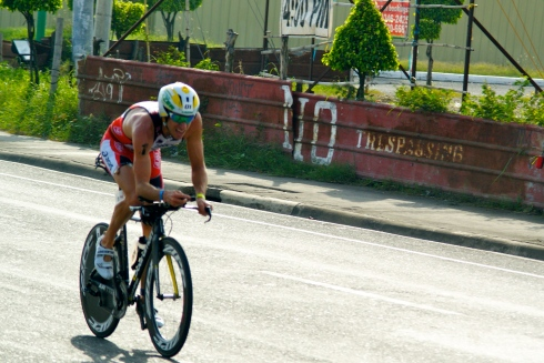 Pete Jacobs wins Cobra Ironman 70.3 Philippines