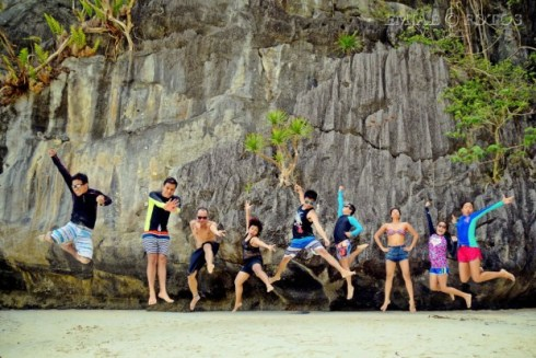 Papaya Beach Jumpshot Snorkel El Nido Palawan Island Hopping